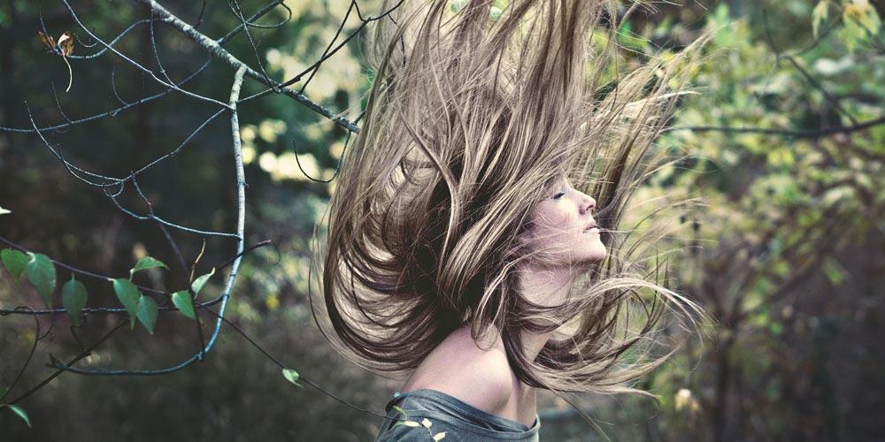 Model Frisur fliegt bei OHH-LALA Haarmoden